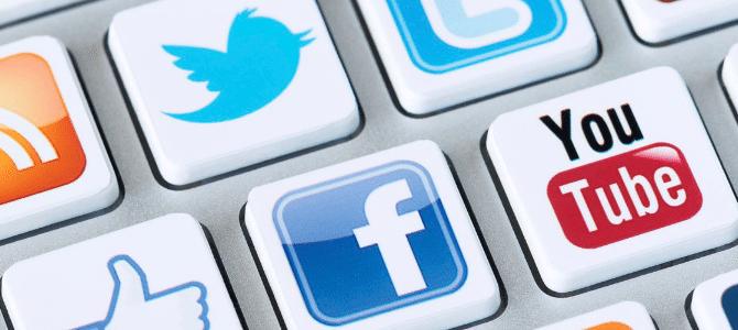Social Network : Facebook, Google +, Twitter